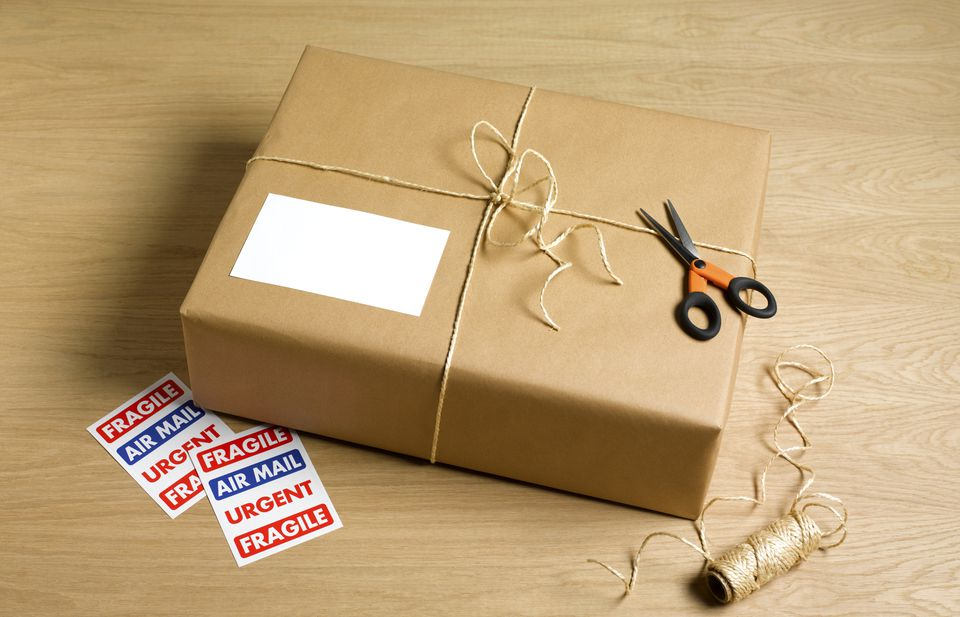 What to pay attention when sending a parcel to another country
