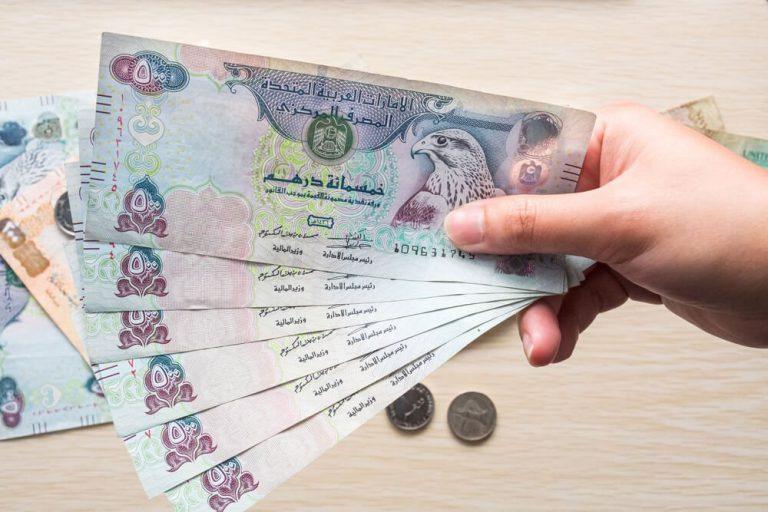 how to earn money in dubai